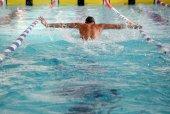 Nadador en la piscina — Foto de Stock