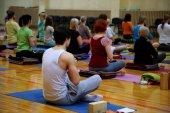 Yoga-kurs — Stockfoto