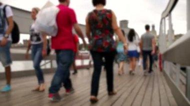 Crowd Crossing Maremagnum Bridge Time Lapse Blurred — Stock Video