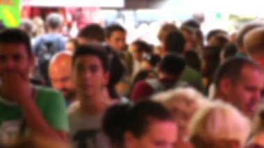 Crowded Market Place in Barcelona Blurred — Stock Video