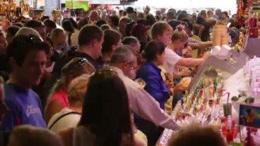 Crowd Shopping in La Boqueria Market in Barcelona Time Lapse — Stock Video