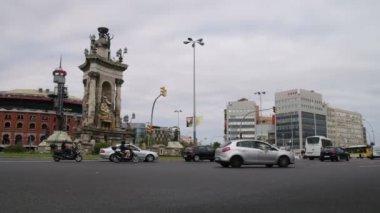 Barcelona City Center Traffic Scene. — Stock Video