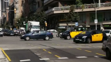 Barcelona Traffic at Rush Hour Time Lapse. — Stock Video