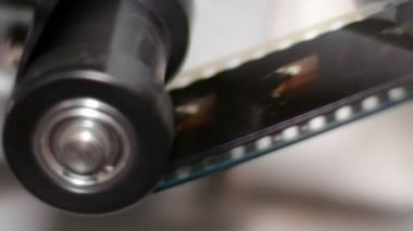 35mm Film Projector Gear Projecting Movie — Stock Video