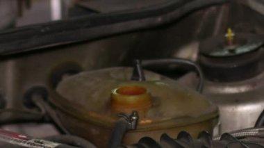 Vacuum Pump Car Cooling Circuit Pressure Test — Stock Video