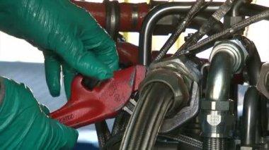 Engineers Repairing a Gas Turbine — Stock Video