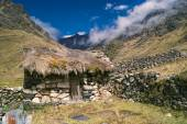 Hut in Andes — Stock Photo