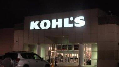 Kohls Storefront Entrance — Stock Video