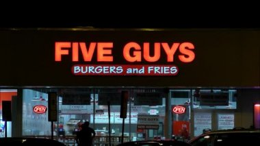 Five Guys Hamburgers — Stock Video