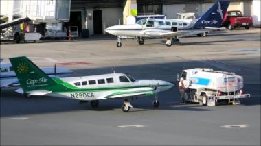 Refueling Small Airplane — Stock Video