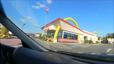 Mcdonalds Drive Thru Fisheye Lens — Stock Video