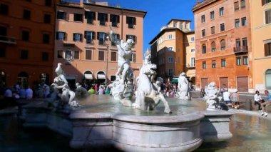 Piazza Navona fountain — Stock Video