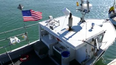 Us Flag on Fishing Boat — Stock Video