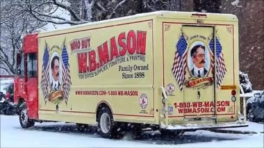 Wb Mason Delivery Truck — Stock Video