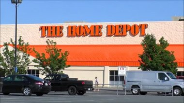 Home Depot Storefront — Stock Video