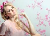 Beautifull young and sexy sensual blond glamourous girl over pin — Stock Photo