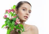 Beauty Portrait. Beautiful Spa Woman with flowers in shoulders. Perfect Fresh Skin. Pure Beauty Model Girl. Youth and Skin Care Concept — Stock Photo