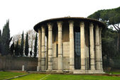 The Temple of Hercules by the banks of the Tiber in Rome Italy — Stock Photo