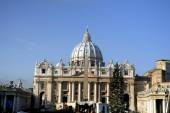 St peters square and Basiica in Rome Italy — Stock Photo