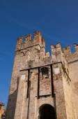 The Scalieri Castle at Sirmione on Lake Garda in the Northern Italian Lakes — Stock Photo