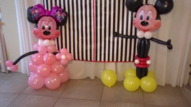 Mickey Mouse balloons — Stock Video