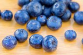 Bunch of bluberries on a table — Stock Photo
