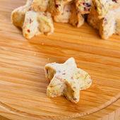 Suiker kerstkoekjes in de vorm van een ster — Stockfoto