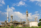 Oil refinery industrial — Stock Photo