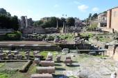 Ancient Roman Empire ruins in Rome — Stock Photo