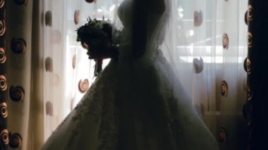 Bride Standing in The Shadows With a Bouquet. Wedding. — Stock Video