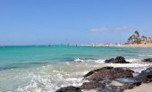 Surfeando en Costa Calma en Fuerteventura — Foto de Stock