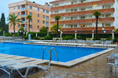Pool in hotel Spain — Stock Photo