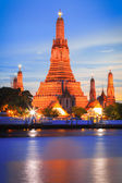 Sunset at Wat Arun, Bangkok Thailand — Stock Photo