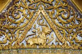 Detail of Golden Thai Style Roof — Stock Photo