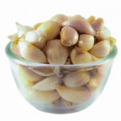 Fresh Garlic on a blow — Stock Photo