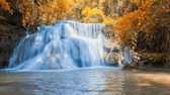 Heo Suwat Waterfall in Khao Yai National Park in Thailand — Stock Photo