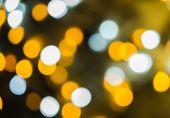 Defocused ligths of Christmas tree. Bokeh Background — Stock Photo