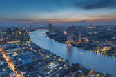 Curved view of  Chao Phraya River in Bangkok — Stock Photo