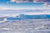 Niebieski lód jeziora, Islandia laguny Jokulsarlon lodowiec — Zdjęcie stockowe