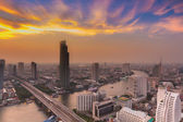 Bangkok river curve with beautiful cloudscape during sunset — Foto Stock