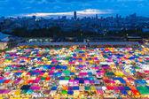Flygfoto över färgglada Bangkok fri marknad — Stockfoto