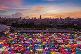 Бангкок блошиный рынок птичьего — Стоковое фото