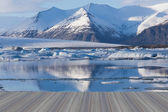 Opening wooden floor, Frozen lake in south of Iceland — Stock Photo