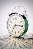 時間はお金緑の古時計です。 — ストック写真