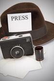 Retro Camera & Fedora Hat — Zdjęcie stockowe