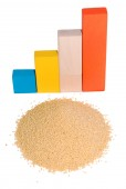 The schedule of growth from children's cubes and a millet hill. It is isolated on a white background. — Stock Photo