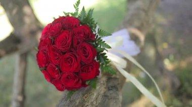Wedding bouquet of fresh flowers.Wedding bridal bouquet. — Stock Video