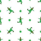 Cute dancing leprechaun and four leaf clover flower seamless pat — Stock Vector