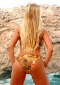 Brown and Tan Bikini - Long Haired Blond Bombshell — Stock Photo