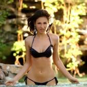 Navy Blue Skimpy Cute Bikini - Water Splashing - Jungle Like Background — Stock Photo